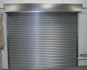 نمونه کرکره برقی گگزینه طلایی نصب شده در ورودی پارکینگ